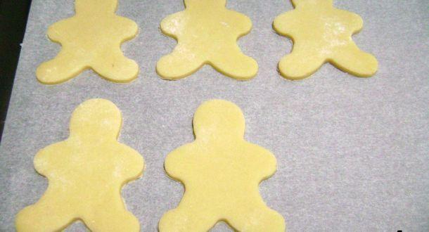 preparazione dei biscotti al pan di zenzero step 4