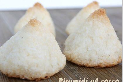 piramidi al cocco senza glutine e senza latte tre varianti