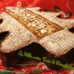 Albero goloso al cioccolato con zucca e mandorle aromatizzato alla cannella