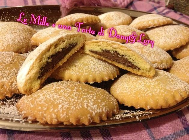 biscotti_ripieni_di_nutella.jpeg