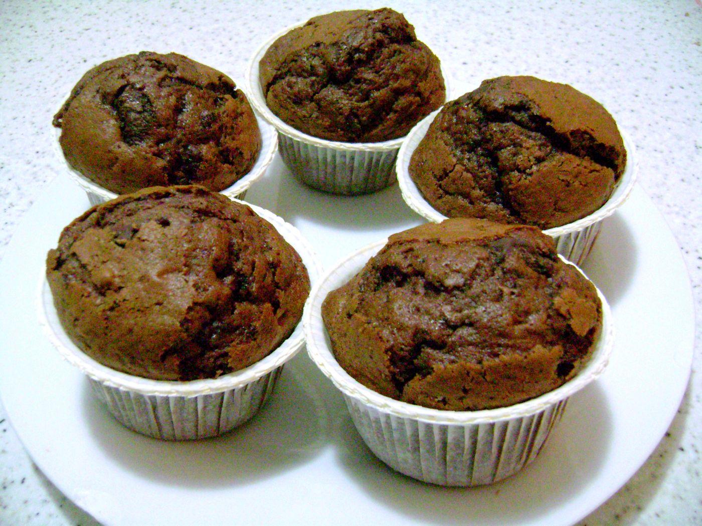 muffins_al_cioccolato_con_gocce_jpg.jpg