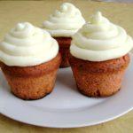 Red velvet cupcakes con crema di burro alla vaniglia