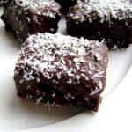 Quadrotti al cioccolato e cocco