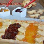 Crostata bicolore di mandorle e cannella senza glutine