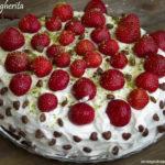 torta margherita con macedonia di fragole e panna senza glutine