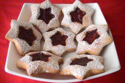 biscotti stella di Natale con marmellata
